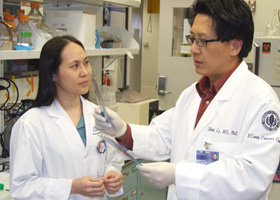 Photo of Drs. Bei Liu and Zihai Li