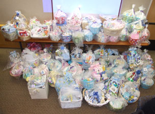 Bank of america employees deliver baskets to nicu negle Choice Image