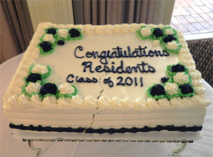 Photo of the cake congratulating the Class of 2011 residents